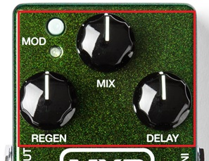 MXR Carbon Copy Analog Delay Controls