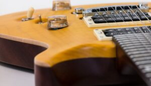 Read more about the article How Much Does an Electric Guitar Weigh?
