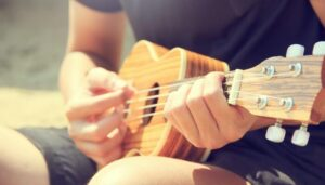 Read more about the article 20 Easy Ukulele Songs for Beginners (With Tabs!)